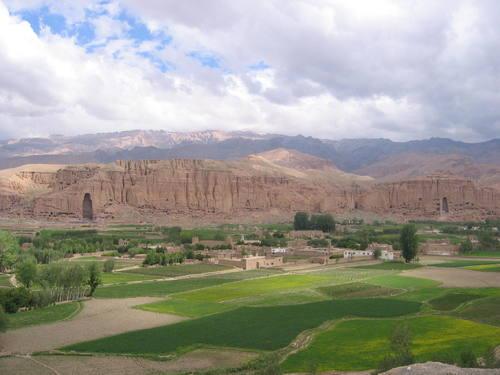چشم انداز دره بامیان